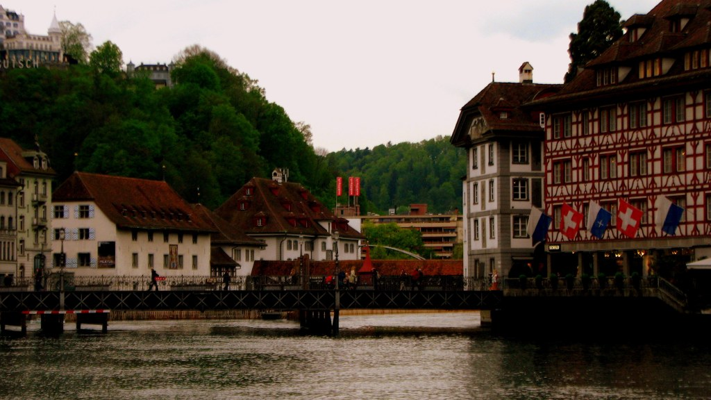 Houses and Shopping complexes on River Reuss, River Reuss
