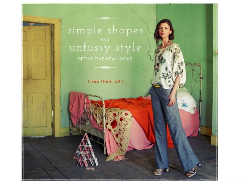 Spring Bell-bottom denims, Anthropologie bell-bottom denim, bell-bottom jeans, flared jeans, lightweight flared jeans, blouson top, floral printed blouson top, rustic apartment background, earthy colours, simple shapes, unfussy style, relaxed chic look, Anthropologie flared jeans
